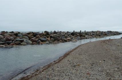 Delvist ødelagt kystsikring